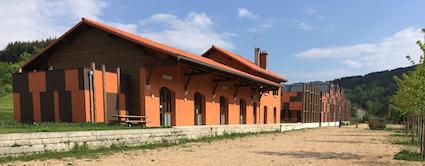 La gare, patinoire et parc d'aventure sur roues